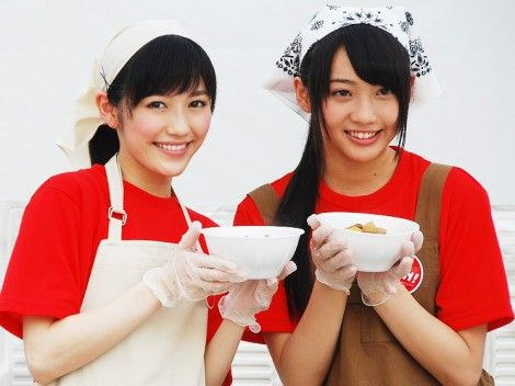 【神コンビ!】まゆゆ&ゆりあ、炊き出し訓練に挑戦! 【動画もあり】