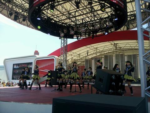 HKT48がマジすかロックンロールを披露!!