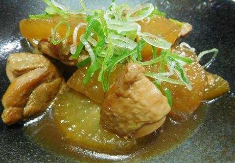 鶏モモと大根の黒酢煮