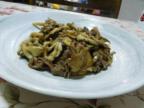牛肉と舞茸炒め