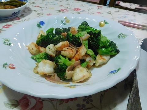 海老とブロッコリーのガーリック炒め
