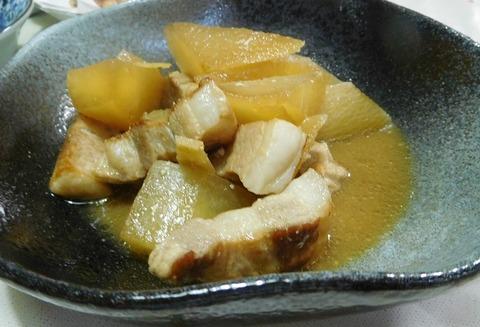 豚バラと大根の味噌煮