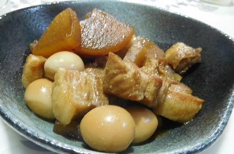 豚バラとウズラ卵と大根煮