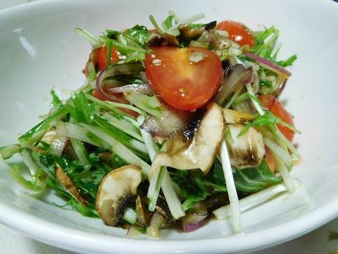 水菜とマッシュルームのサラダ
