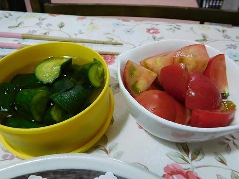 きゅうりの浅漬け&トマト