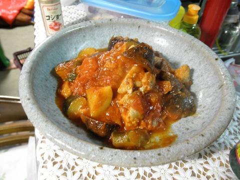 鶏と茄子のトマト煮込み