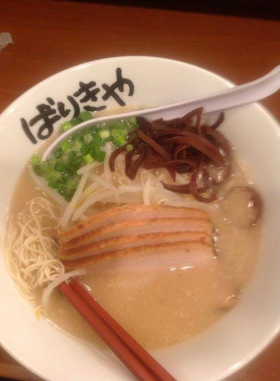 肉入りばりき麺880円