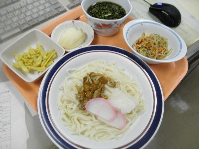 水曜日の昼食