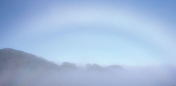 オロフレ峠の白い虹