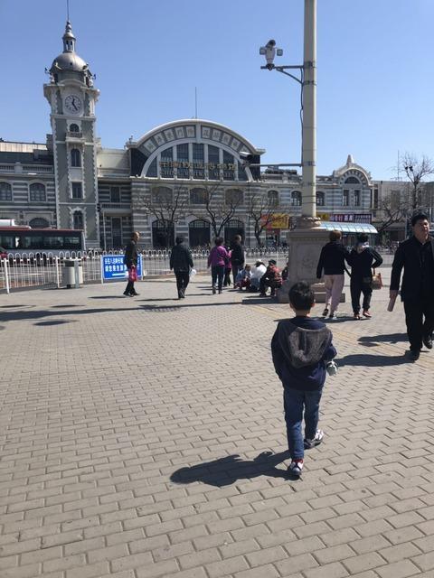 walking_in_qianmenstreet