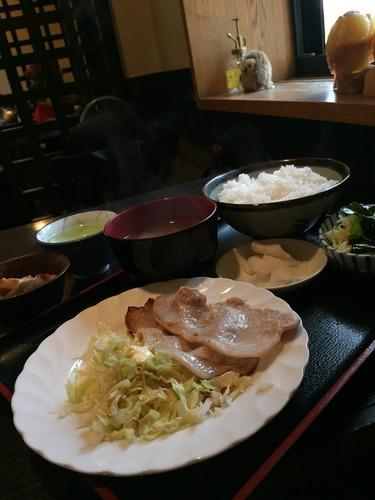いな穂_ロース肉定食01