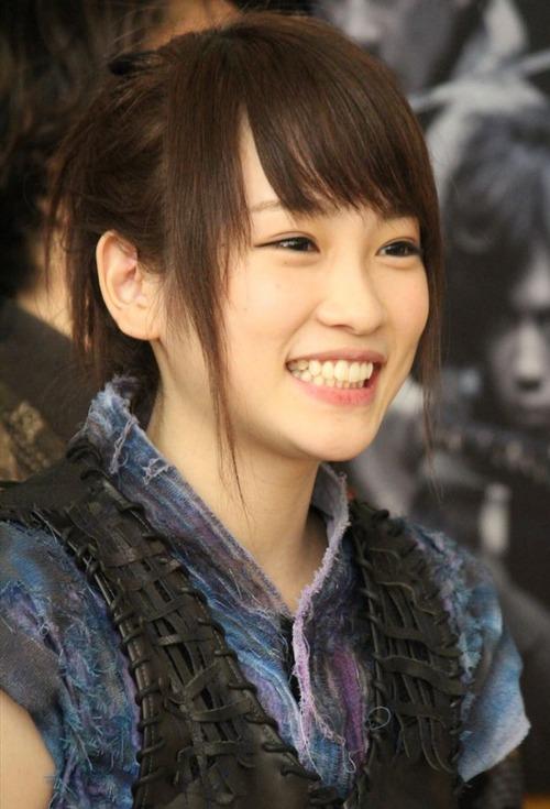 Rina Kawaei 900