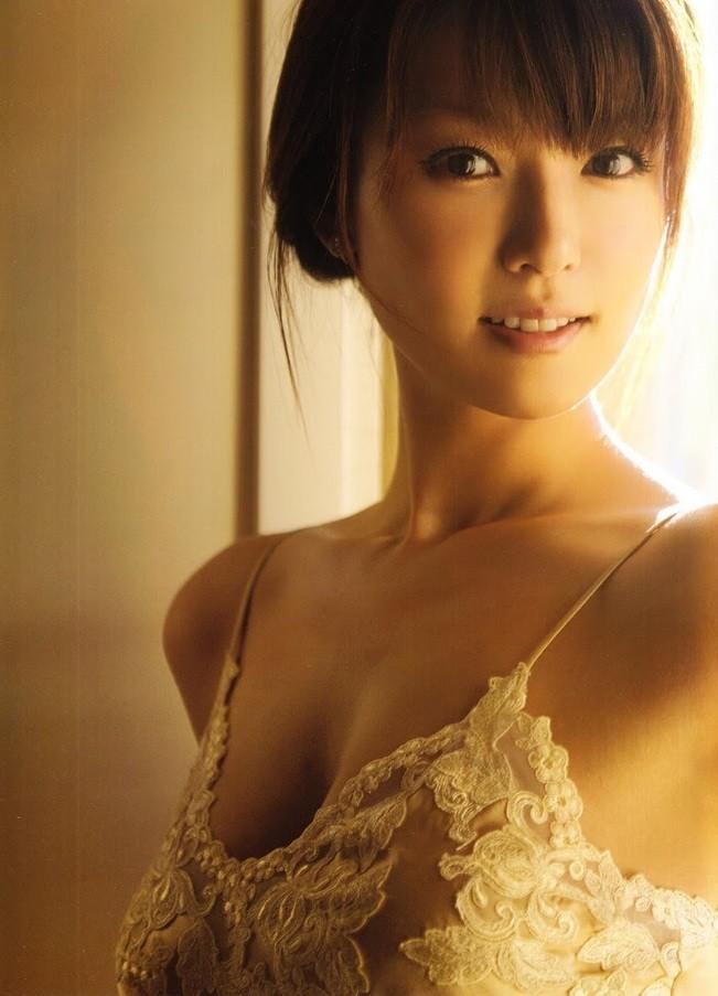 Kyoko Fukada 深田恭子 (un)touch ランジェリー Lingerie