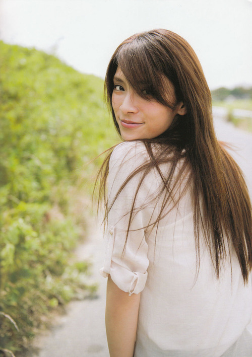 Sayaka Akimoto  25