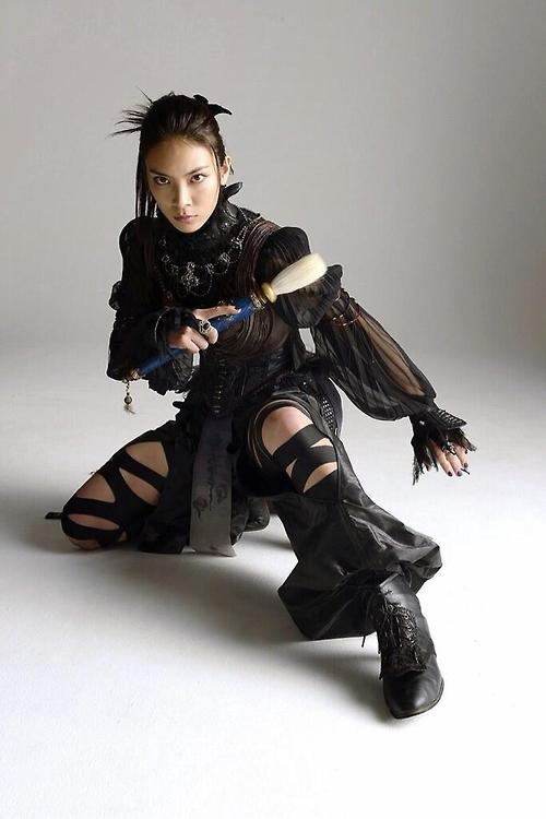 Sayaka Akimoto  34