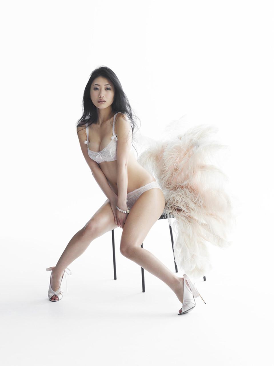 Mitsu Dan 壇蜜 Pictures 06