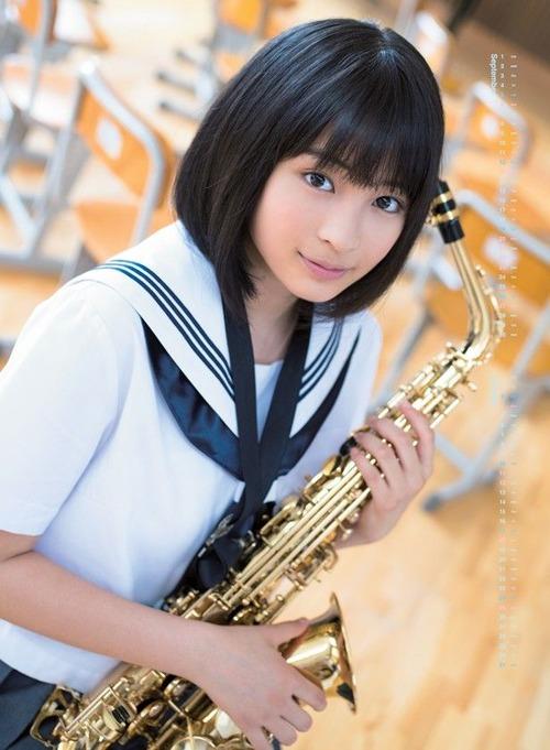 Suzu Hirose-01