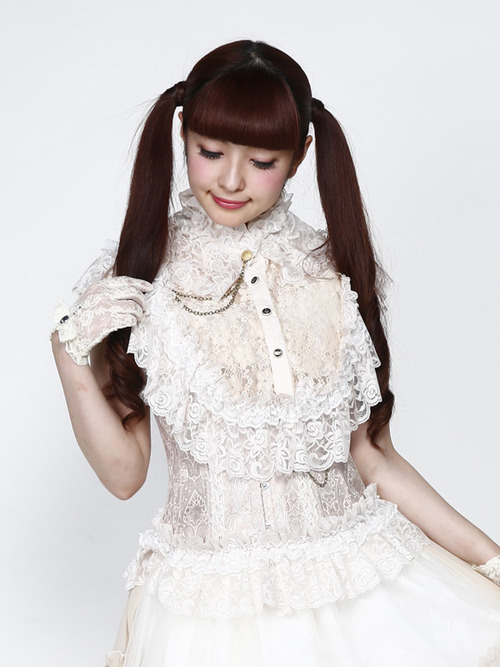Misako Aoki 27