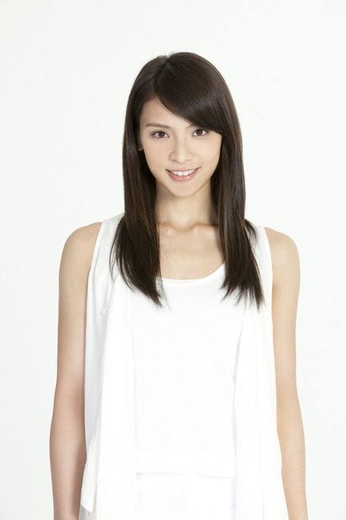 Sayaka Akimoto  01