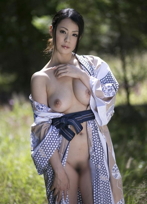 Nana Aida-118