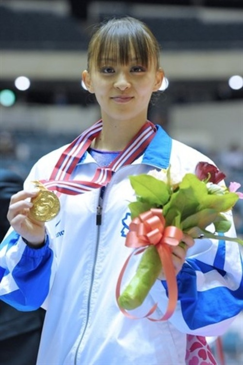 rie-tanaka-gymnast