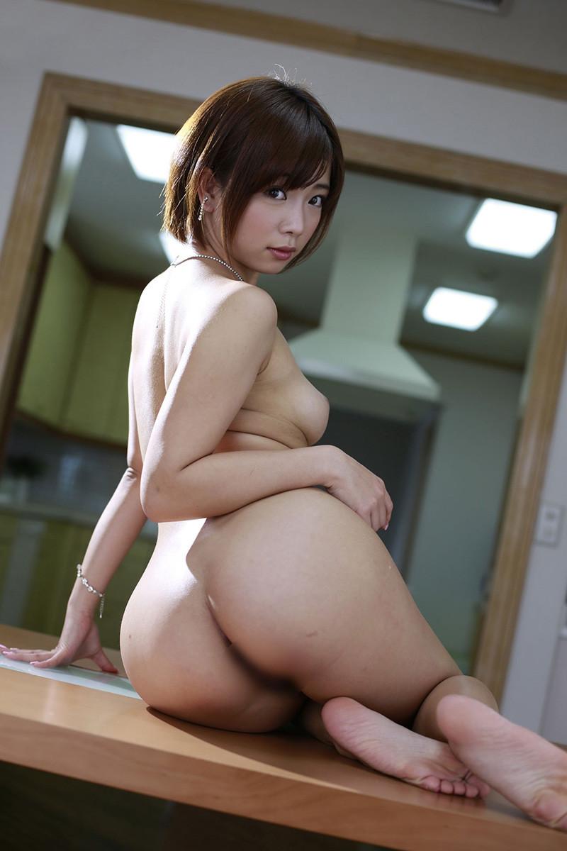 Mana Sakura 紗倉まな Pictures 01