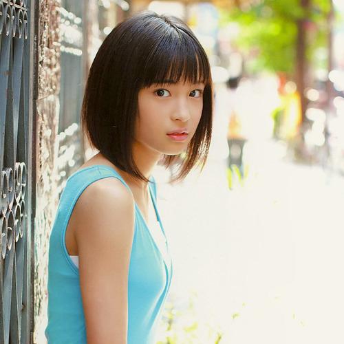 Suzu Hirose-08