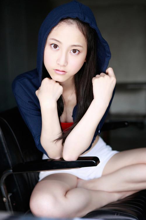 Rena Matsui 32