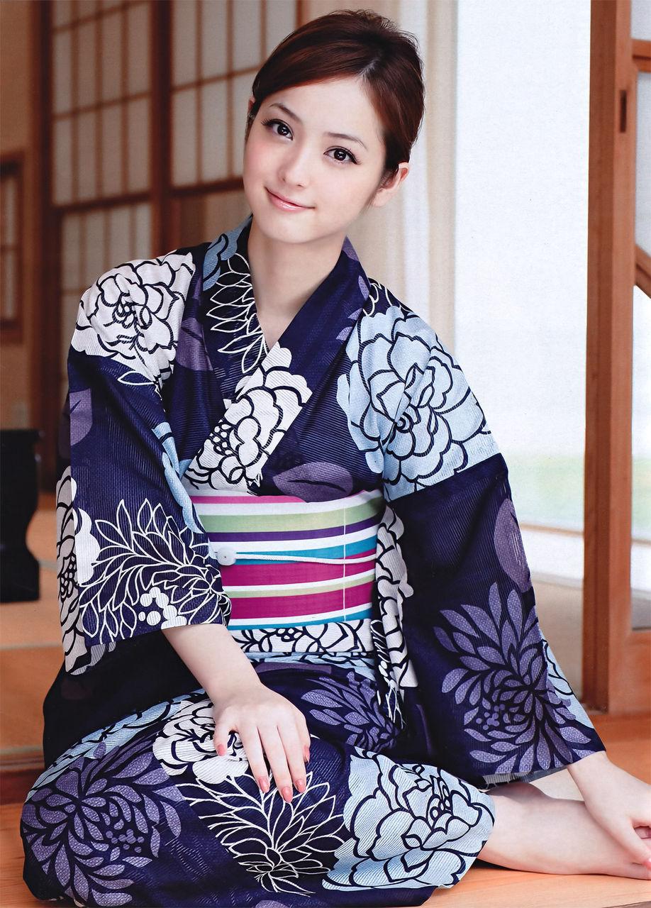 Nozomi Sasaki 佐々木希 Pictures 09