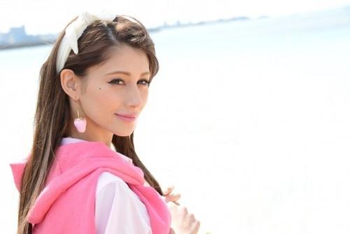 Akemi Darenogare 02