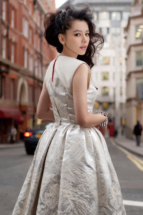 Vivian Hsu 30