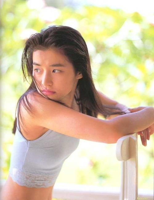 YURIKO ISHIDA 22