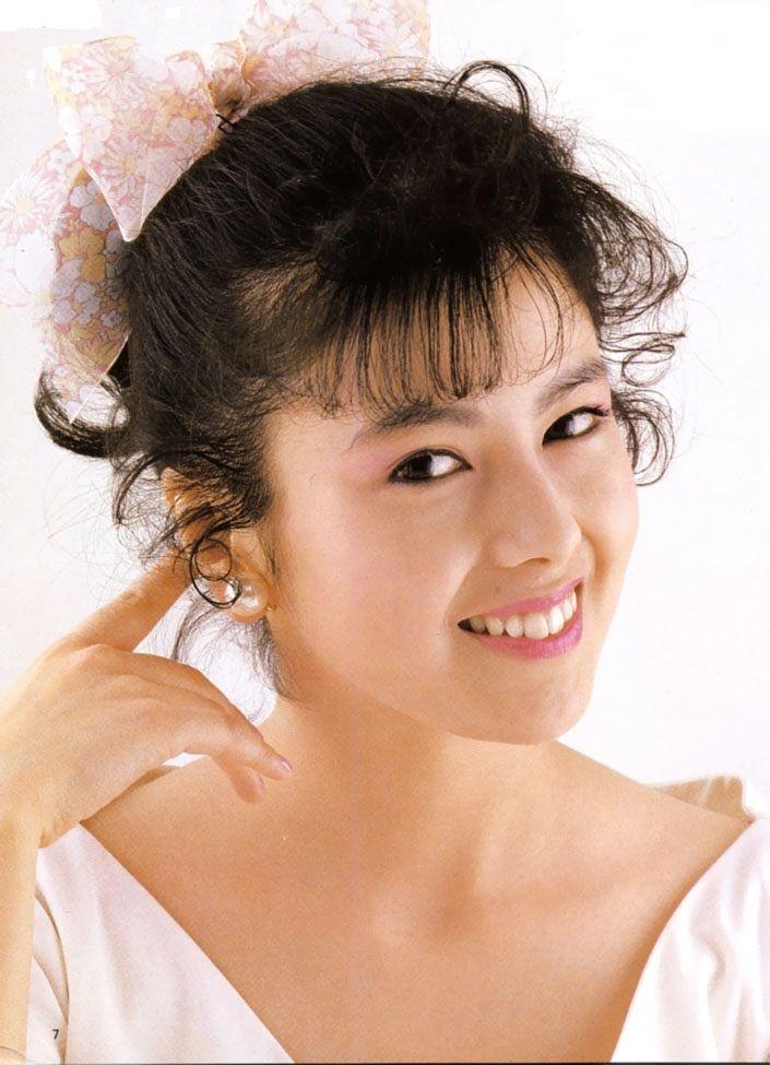 くるっとカールした髪が可愛い若い頃の沢口靖子