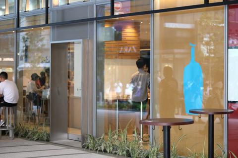 """コーヒー界の""""Apple""""とも呼ばれている「ブルーボトルコーヒー」新宿カフェ"""