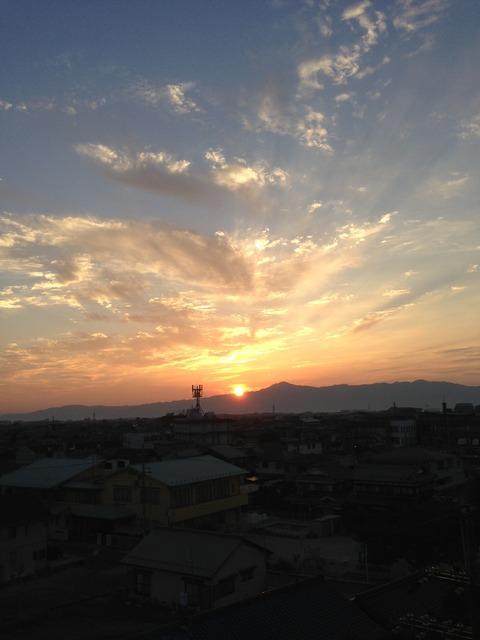 比叡山の夕陽(滋賀県守山市/守山市役所近辺)