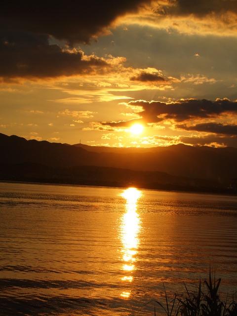 今日の日よ、さようなら(滋賀県守山市 湖岸)