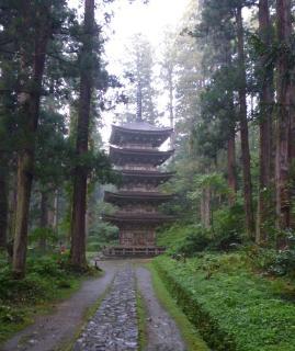 pict-羽黒山・国宝・五重塔-1