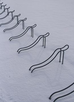雪の中で腕立て伏せ?