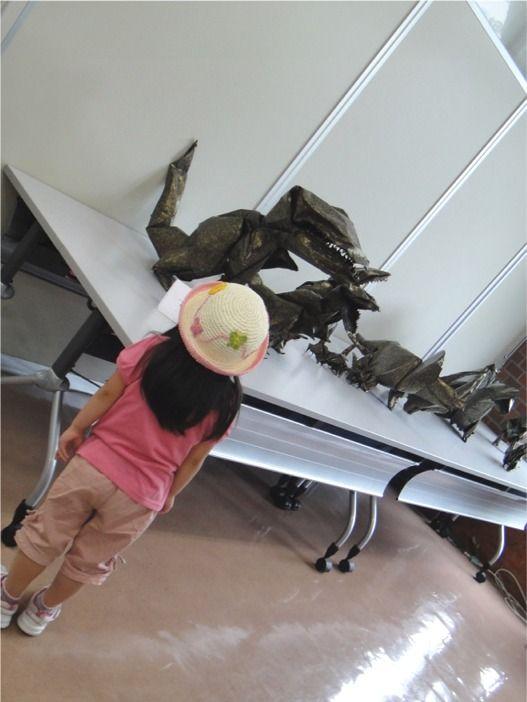 恐竜こどもたて