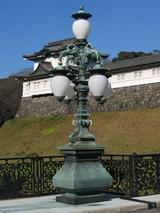 皇居正門鉄橋飾電燈