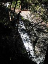 遊歩道から眺める天渕滝2