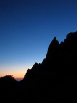 早朝のローソク岩