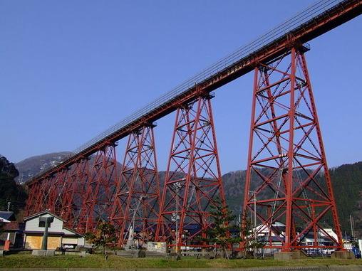 800px-Amarube-tekkyo_bridge-1
