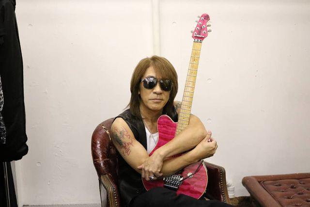 【エンタメ画像】【朗報】B'z松本メンバーのギター、無事見つかる (画像あり)
