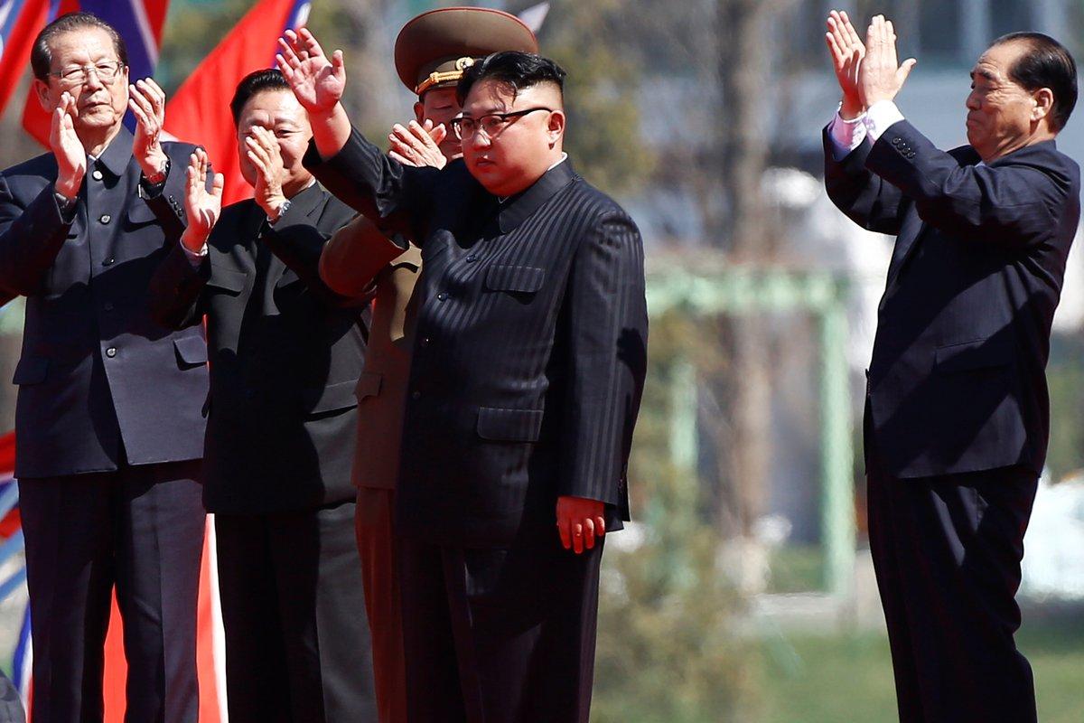 【エンタメ画像】【悲報】マネー正恩さん、米国の脅しにガクブルして凄い目になる(画像あり)