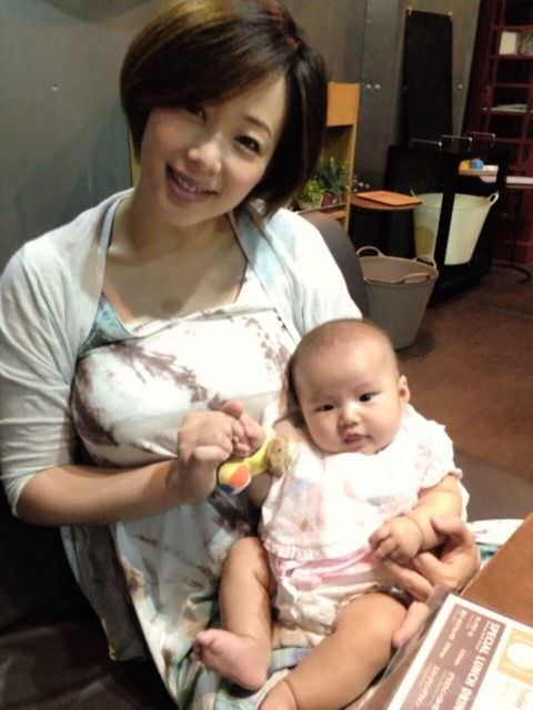【エンタメ画像】井上和香の母乳で育つ赤ちゃんって将来絶対ろくな大人にならないだろ