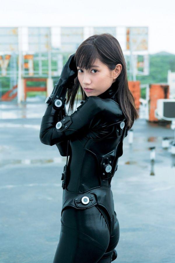 【エンタメ画像】美女ファッションモデル武田あやな(21)が艶っぽいなガンツスーツ姿を披露【画像あり】