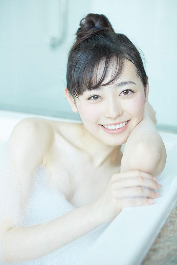 【エンタメ画像】元まいんちゃんの福原遥が泡浴室に沈む【画像あり】