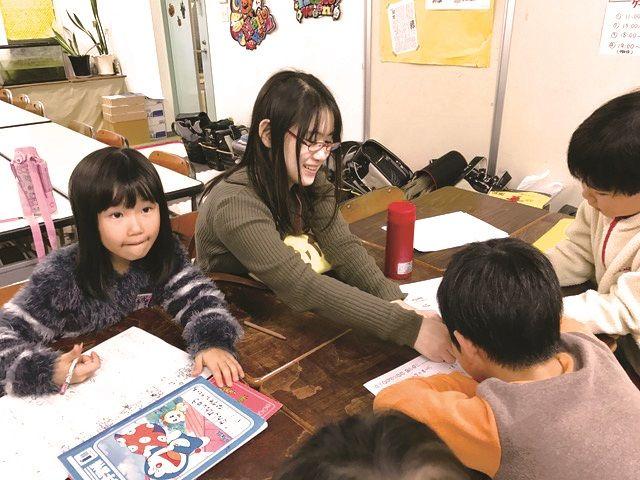 【エンタメ画像】【朗報】ニートを小学生と遊ばせることで社会復帰させるプログラムが誕生する