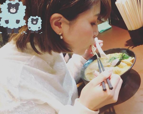 【エンタメ画像】【画像】えみつんのラーメンを食べる画像がエッロい!!!!!!!!!!!!!!!!!!!!!!!!!!!!